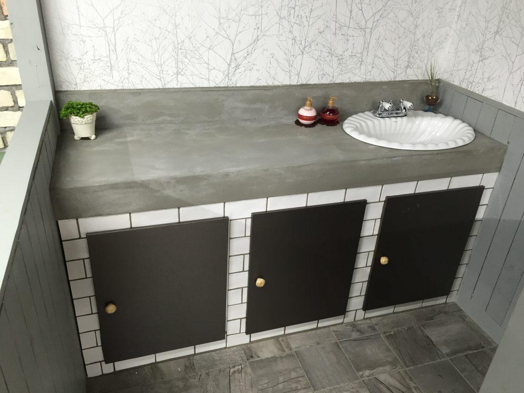 モルタルで作った洗面台